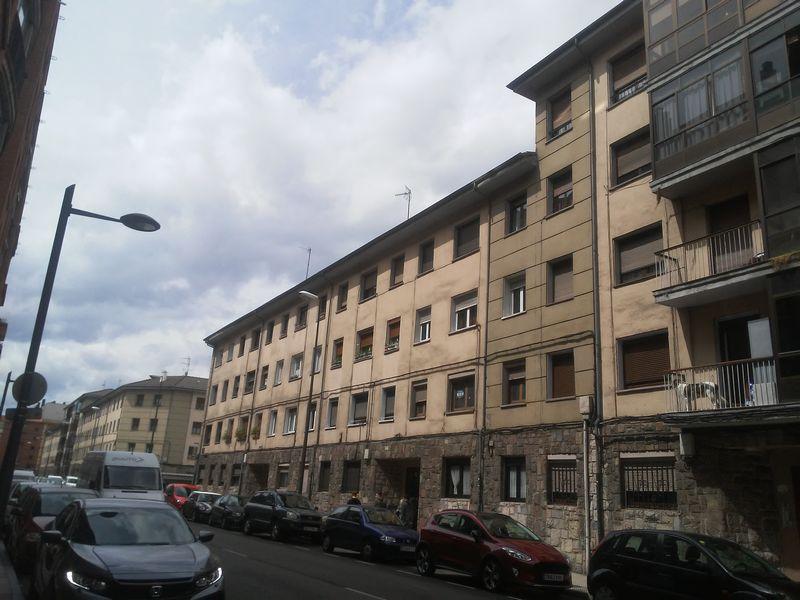 Piso en venta en Centro Y Casco Histórico, Oviedo, Asturias, Calle Rioarcea, 33.800 €, 3 habitaciones, 1 baño, 50,52 m2