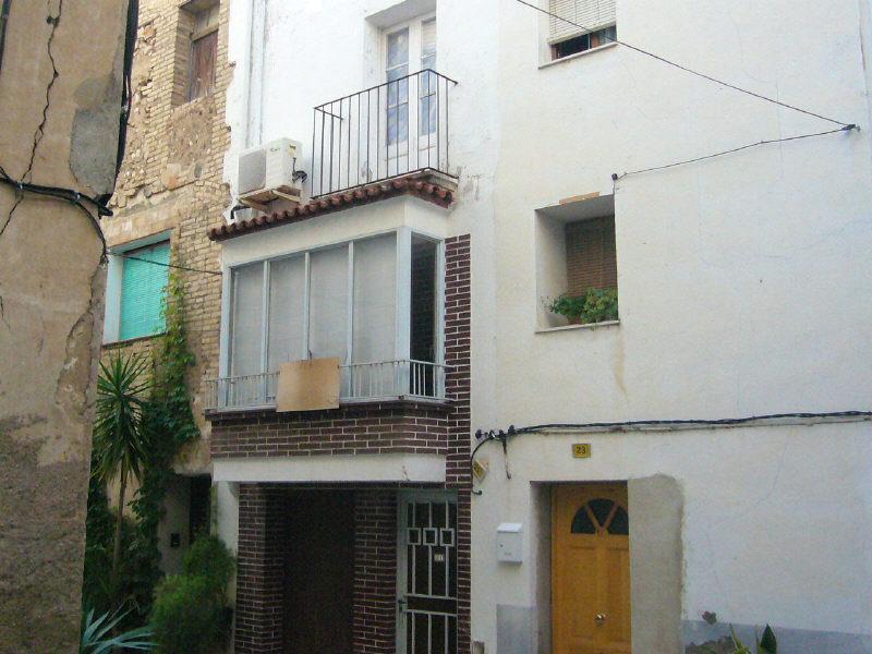 Casa en venta en Móra D`ebre, Tarragona, Calle Pi I Margall, 24.500 €, 2 habitaciones, 1 baño, 140 m2
