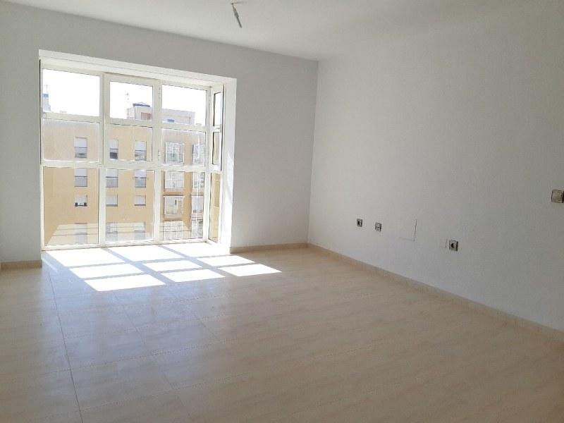 Piso en venta en Piso en Vícar, Almería, 74.000 €, 2 habitaciones, 1 baño, 76 m2, Garaje