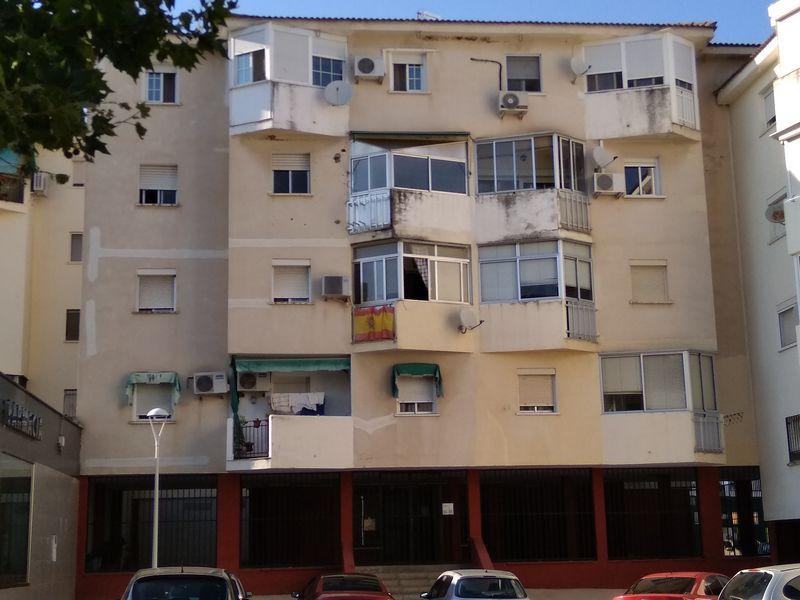 Piso en venta en Distrito 6, Mérida, Badajoz, Calle Juan Ramon Jimenez, 41.500 €, 3 habitaciones, 1 baño, 85,84 m2