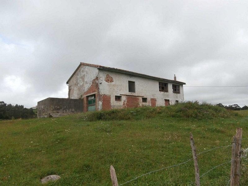 Casa en venta en Reocín, Cantabria, Carretera la Busta, 133.000 €, 4 habitaciones, 3 baños, 40 m2