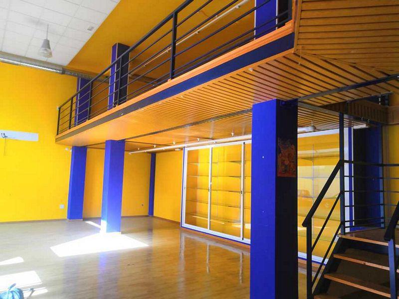 Local en venta en Compostilla, Ponferrada, León, Plaza San Pedro, 140.000 €, 261,5 m2