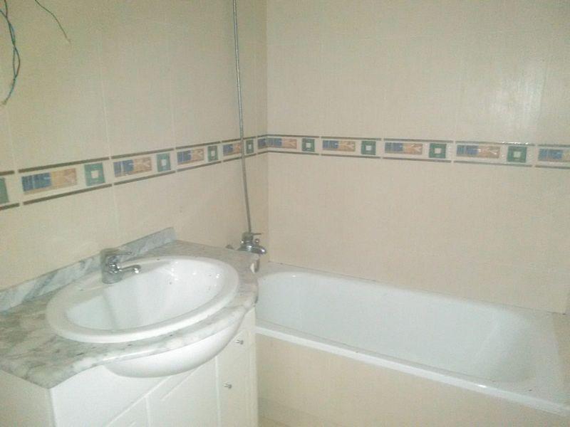 Piso en venta en Piso en Orihuela, Alicante, 72.000 €, 4 habitaciones, 2 baños, 130 m2