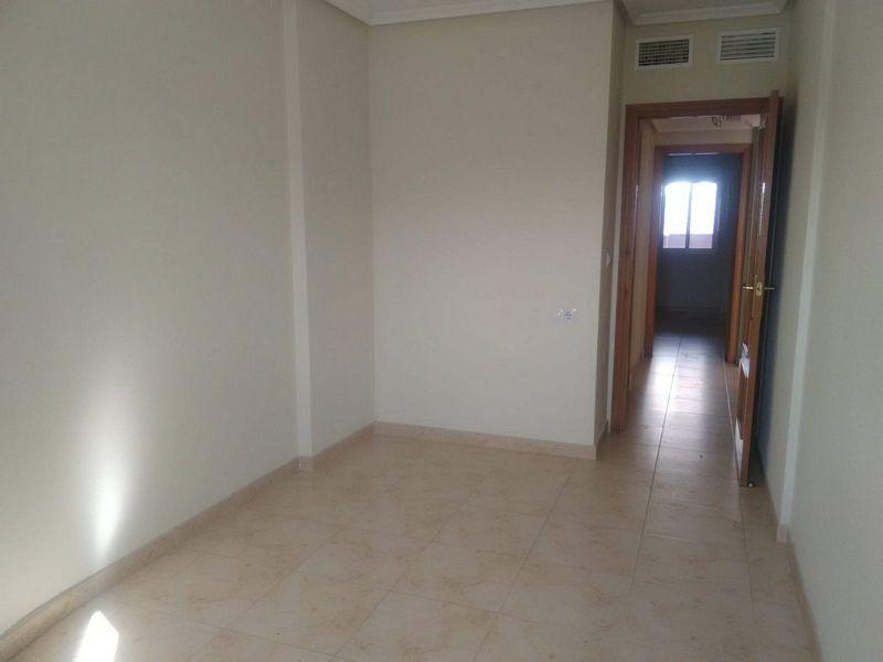Piso en venta en Centro, Orihuela, Alicante, Calle Volcan, 72.000 €, 4 habitaciones, 2 baños, 130 m2