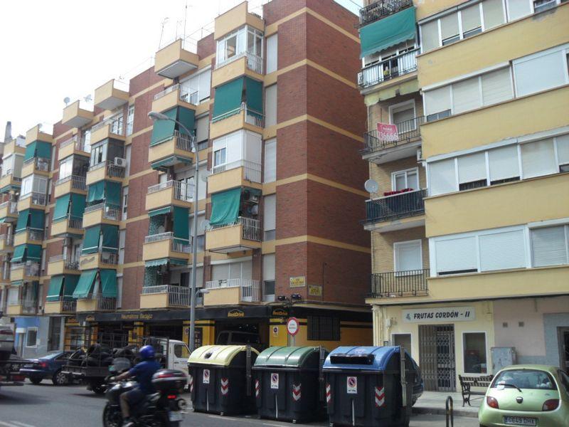Piso en venta en Ronda Norte - Vidarte, Badajoz, Badajoz, Calle Cleto Acero Perez, 100.000 €, 3 habitaciones, 1 baño, 101,12 m2