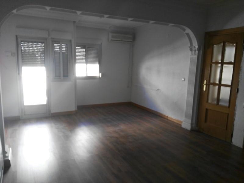 Piso en venta en Industria, Albacete, Albacete, Calle Luis Vives, 64.000 €, 2 habitaciones, 1 baño, 90 m2