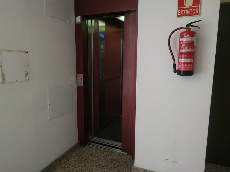 Piso en venta en El Pilar, San Cristobal de la Laguna, Santa Cruz de Tenerife, Calle Sor Elena, 87.000 €, 2 habitaciones, 1 baño, 84 m2