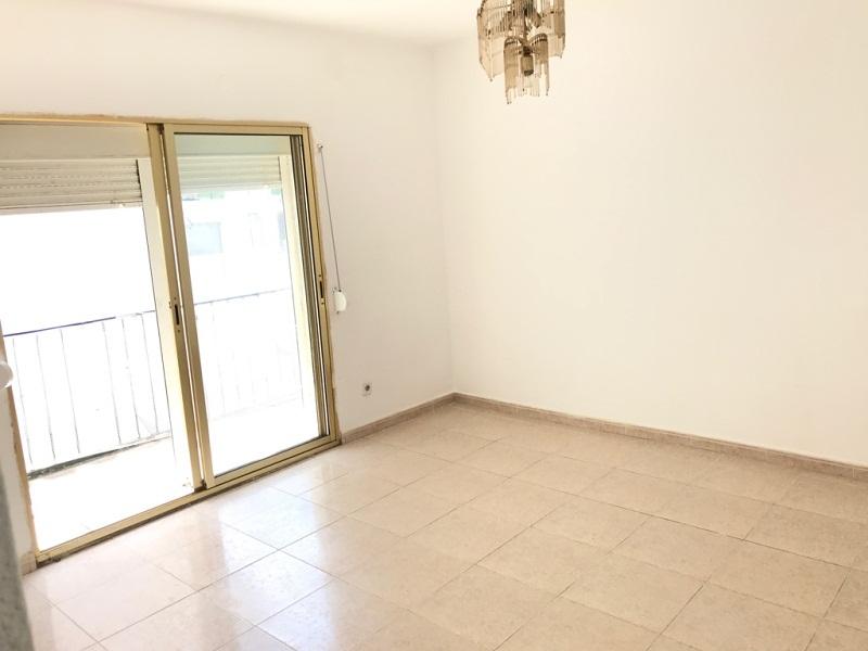Piso en venta en Torreforta, Tarragona, Tarragona, Calle Montblanc, 39.000 €, 3 habitaciones, 1 baño, 71 m2