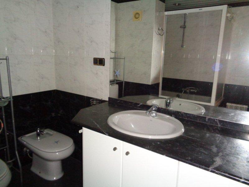 Piso en venta en Pere Parres, Terrassa, Barcelona, Calle Francesc Oller, 159.000 €, 3 habitaciones, 1 baño, 101 m2