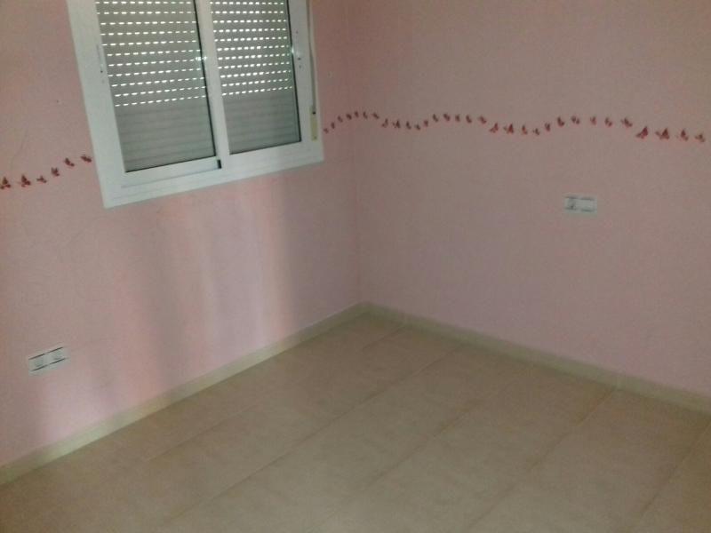 Piso en venta en Los Depósitos, Almería, Almería, Calle Lola Gaos, 96.000 €, 2 habitaciones, 1 baño, 111 m2