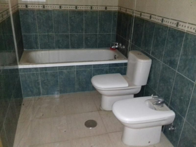 Piso en venta en Oliveros, Almería, Almería, Calle Lola Gaos, 85.000 €, 3 habitaciones, 2 baños, 140 m2