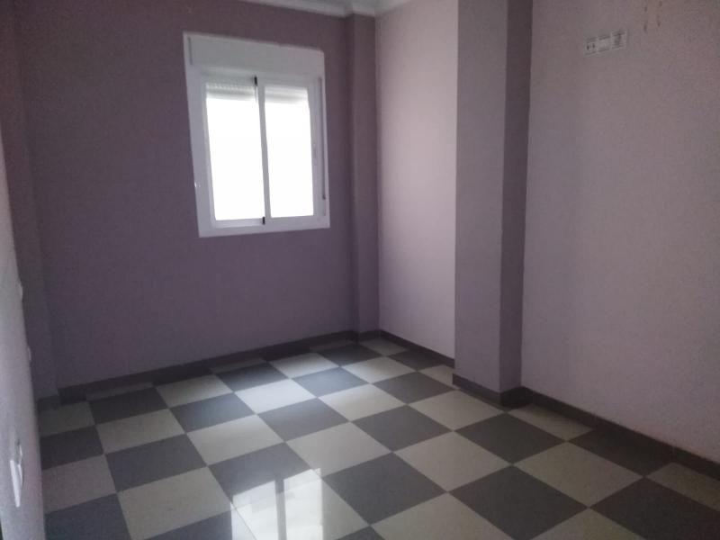 Piso en venta en Oliveros, Almería, Almería, Calle Seneca, 88.000 €, 2 habitaciones, 1 baño, 91 m2