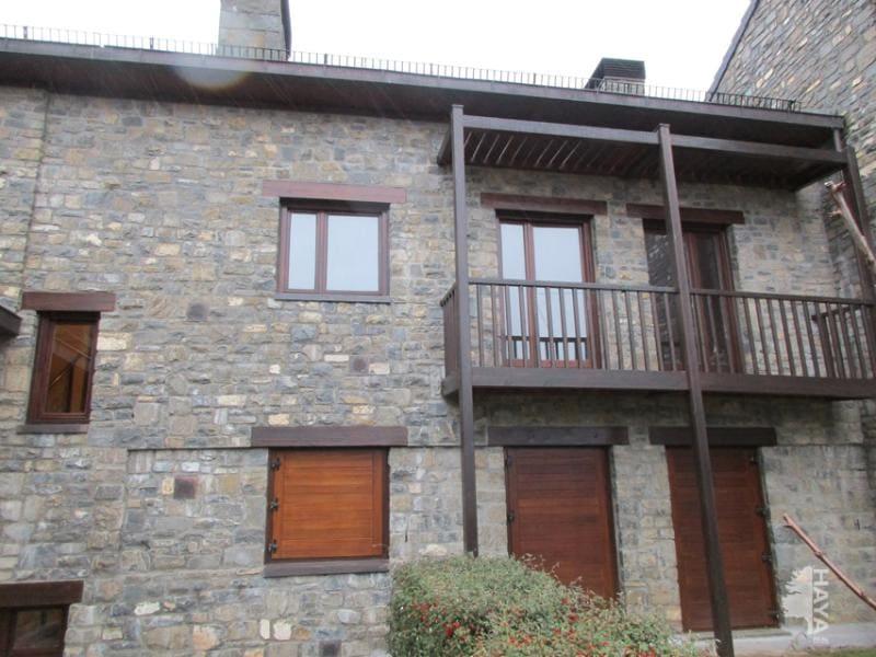 Piso en venta en Urbanización Lugá de Castiello, Castiello de Jaca, Huesca, Calle Plano del Churro, 121.470 €, 1 baño, 81 m2