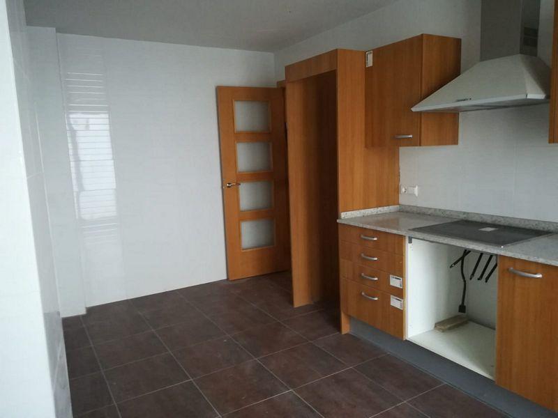 Piso en venta en Urb. Casa Blanca, Requena, Valencia, Calle Luis Vives, 110.000 €, 3 habitaciones, 2 baños, 133,39 m2