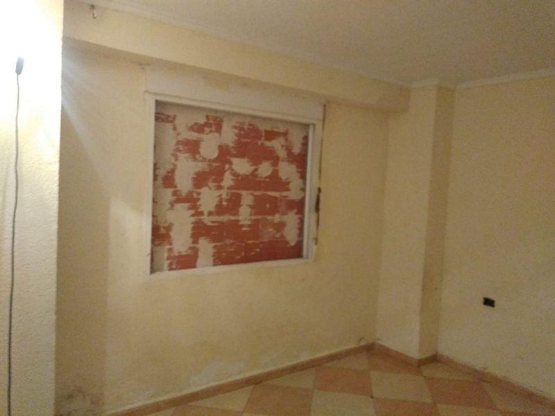 Piso en venta en Piso en Torrevieja, Alicante, 72.800 €, 3 habitaciones, 1 baño, 83 m2