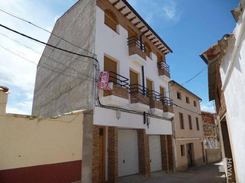 Piso en venta en Foz-calanda, Foz-calanda, Teruel, Calle Cantarerias, 46.000 €, 3 habitaciones, 2 baños, 181 m2