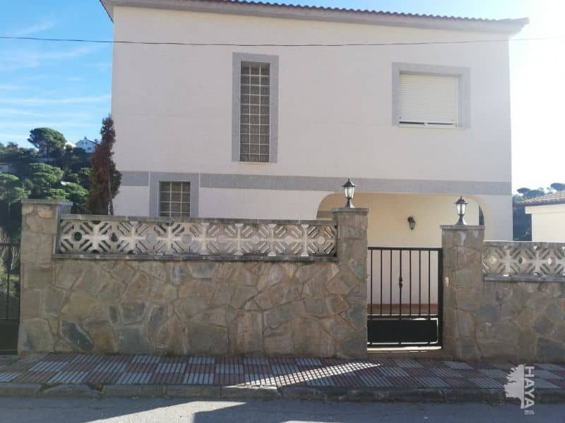 Casa en venta en Aiguaviva Parc, Vidreres, Girona, Calle Arboç, 188.403 €, 3 habitaciones, 2 baños, 171 m2