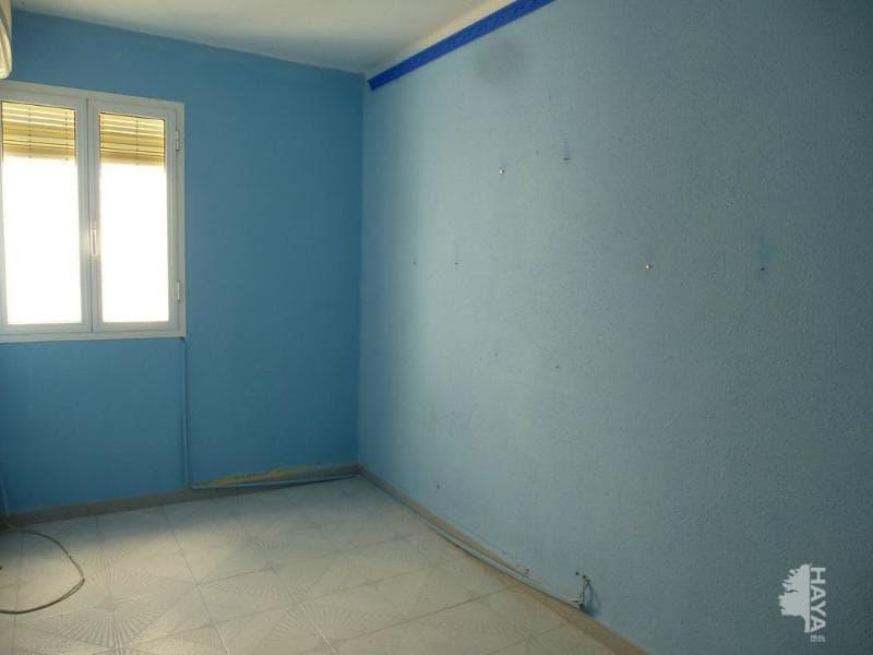 Piso en venta en Cabra, Cabra, Córdoba, Calle Poeta Lucano, 70.000 €, 3 habitaciones, 1 baño, 86 m2