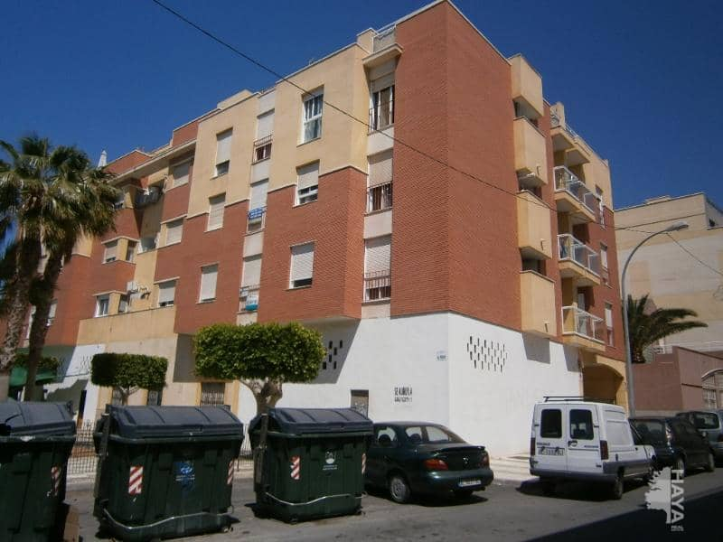 Piso en venta en El Parador de la Hortichuelas, Roquetas de Mar, Almería, Calle San Miguel, 67.200 €, 2 habitaciones, 1 baño, 87 m2