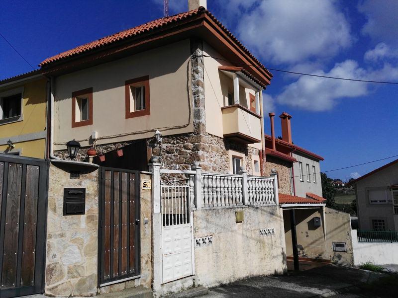 Casa en venta en Culleredo, A Coruña, Calle Rúa Cadaval, 139.000 €, 4 habitaciones, 3 baños, 179 m2