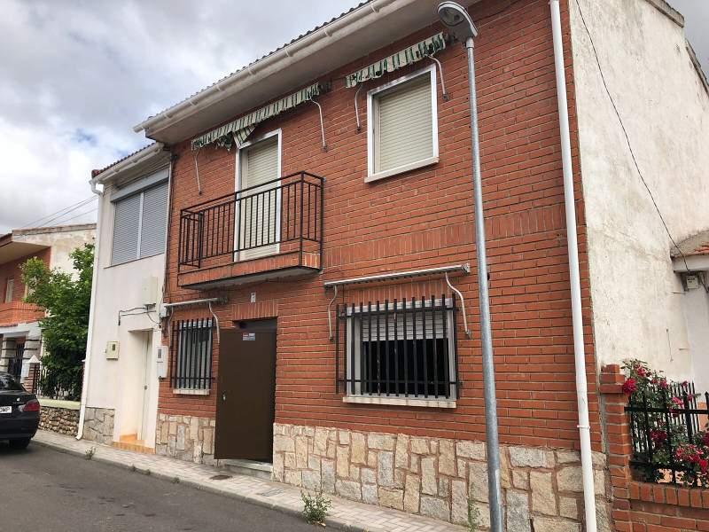 Piso en venta en Escalona, Toledo, Calle Pintor Zuloaga, 126.000 €, 3 habitaciones, 136 m2