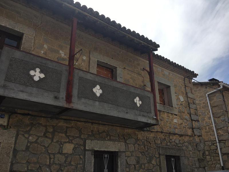 Piso en venta en Piedralaves, Ávila, Calle Navarejos, 25.000 €, 2 habitaciones, 78 m2
