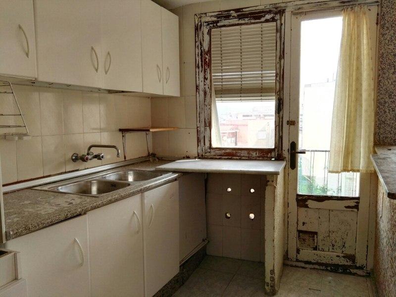 Piso en venta en Benicarló, Castellón, Avenida Magallanes, 54.000 €, 3 habitaciones, 82 m2
