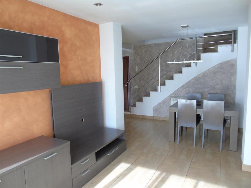 Piso en venta en Santa Eugènia de Berga, Barcelona, Calle Carrer Pirineu, 180.000 €, 4 habitaciones, 1 baño, 130 m2