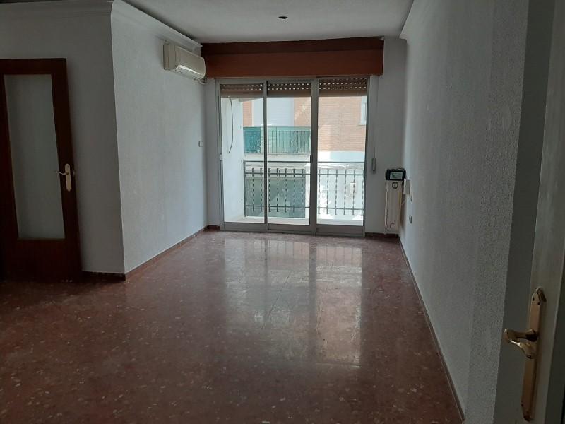 Piso en venta en Huétor Vega, Granada, Calle Campo, 73.000 €, 3 habitaciones, 95 m2
