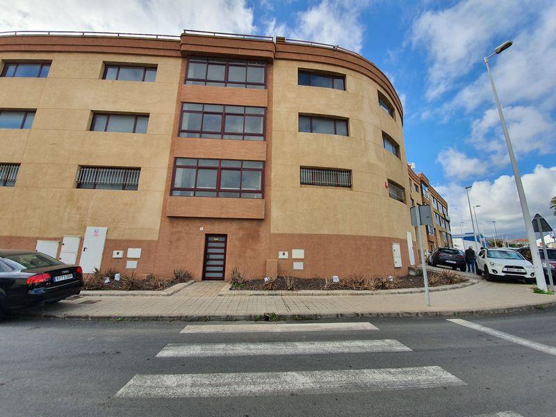 Local en venta en Telde, Las Palmas, Calle Rigoberta Menchu (ind. la Rubiesas), 95.200 €, 113 m2