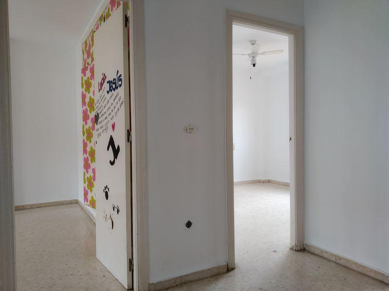 Piso en venta en Armilla, Granada, Calle V Centenario, 139.000 €, 4 habitaciones, 2 baños, 140 m2