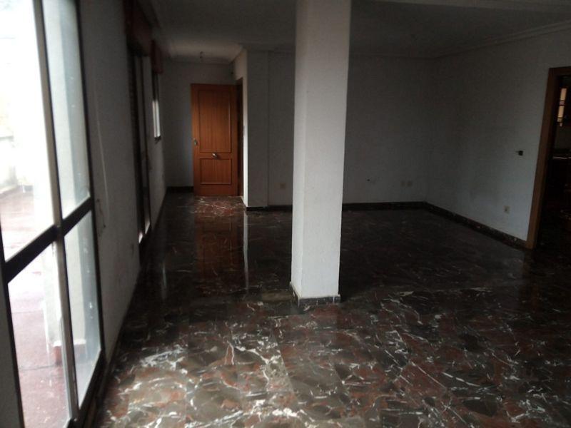 Piso en venta en Piso en la Carolina, Jaén, 82.000 €, 6 habitaciones, 2 baños, 98 m2