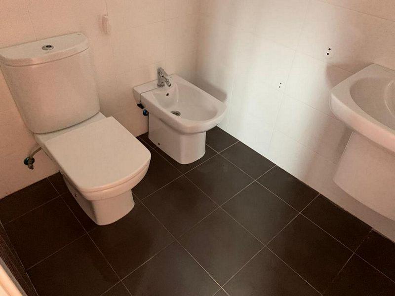 Piso en venta en Cambados, Pontevedra, Calle Caamaño Bournacell, 110.000 €, 3 habitaciones, 2 baños, 104,35 m2