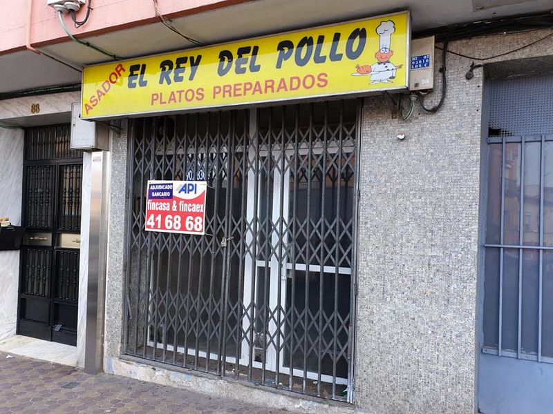 Local en venta en Cáceres, Cáceres, Calle Hernán Cortés, 36.000 €, 90 m2
