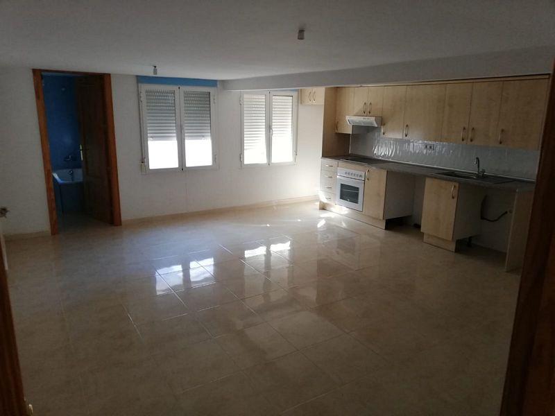 Piso en venta en Calanda, Teruel, Calle Hospital, 58.000 €, 2 habitaciones, 1 baño, 72 m2
