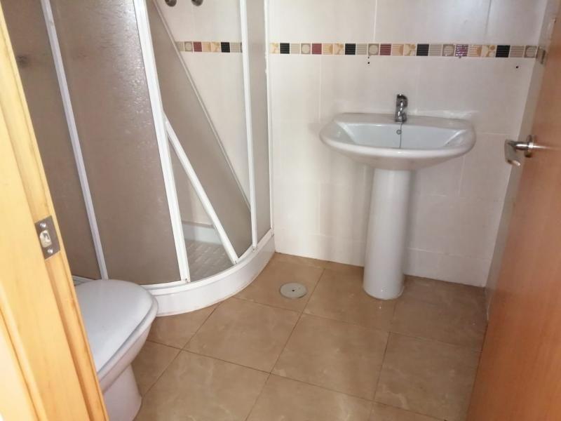 Piso en venta en Distrito Bellavista-la Palmera, Almoradí, Alicante, Avenida Orihuela, 60.000 €, 2 habitaciones, 2 baños, 94 m2
