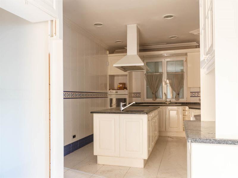 Casa en venta en Monteclaro-la Cabaña, Pozuelo de Alarcón, Madrid, Calle Saliente, 1.975.000 €, 6 habitaciones, 1 baño, 878 m2