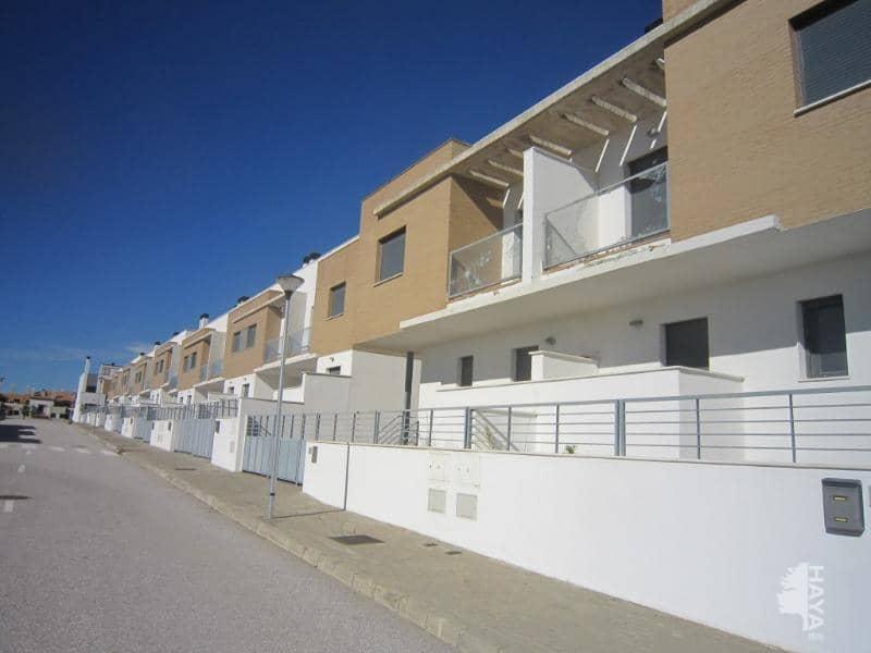 Casa en venta en Guillena, Sevilla, Calle Acebuche, 110.000 €, 3 habitaciones, 3 baños, 151 m2