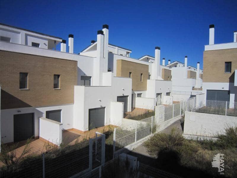 Casa en venta en Guillena, Sevilla, Calle Jaracanda, 177.500 €, 4 habitaciones, 3 baños, 162 m2