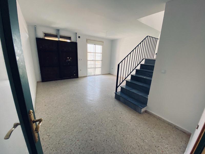 Piso en venta en Los Albarizones, Jerez de la Frontera, Cádiz, Calle Heroe de Sostoa, 81.000 €, 3 habitaciones, 2 baños, 85 m2