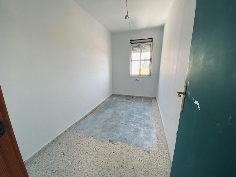 Piso en venta en Piso en Jerez de la Frontera, Cádiz, 81.000 €, 3 habitaciones, 2 baños, 85 m2