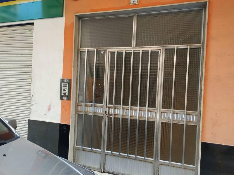 Piso en venta en El Port de Sagunt, Sagunto/sagunt, Valencia, Calle Rey Don Martín, 63.000 €, 3 habitaciones, 1 baño, 93 m2