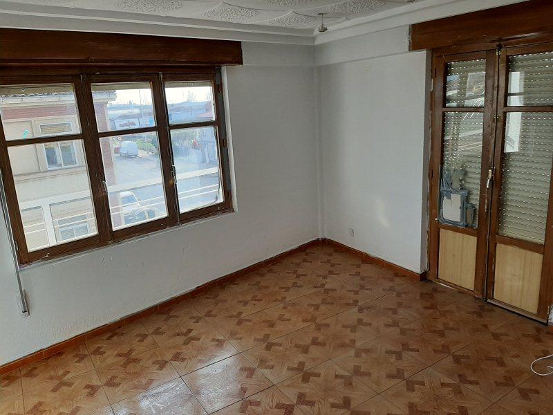 Piso en venta en Trobajo de Cerecedo, León, Camino Villacedre, 46.000 €, 3 habitaciones, 1 baño, 97 m2