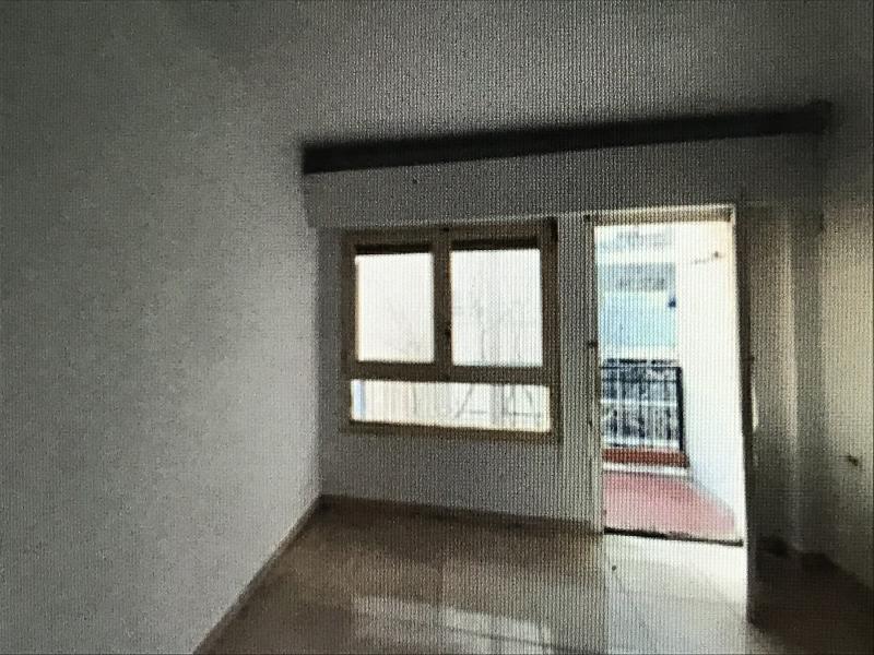 Piso en venta en Grupo San Pedro, Castellón de la Plana/castelló de la Plana, Castellón, Calle Alcocebre, 29.000 €, 3 habitaciones, 1 baño, 70 m2