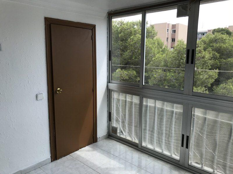 Piso en venta en Sant Salvador, Tarragona, Tarragona, Calle Pallaresos, 67.000 €, 3 habitaciones, 1 baño, 79 m2