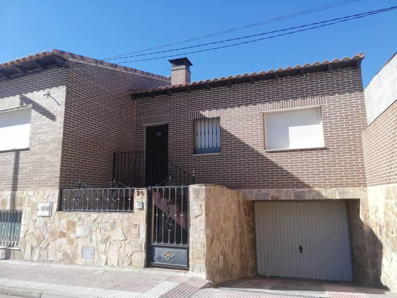 Piso en venta en Añover de Tajo, Añover de Tajo, Toledo, Calle Fernando El Católico, 112.000 €, 3 habitaciones, 2 baños, 205 m2