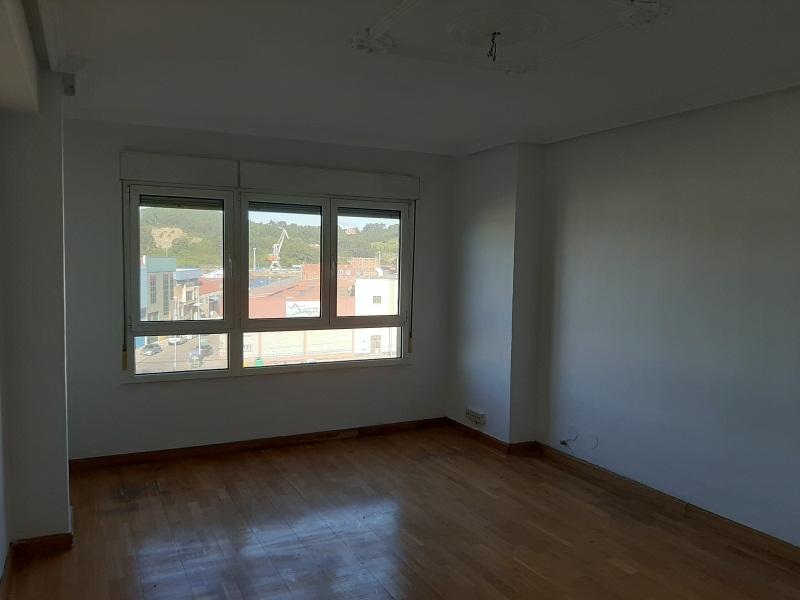 Piso en venta en Llaranes, Avilés, Asturias, Avenida Telares, 96.000 €, 3 habitaciones, 1 baño, 100 m2