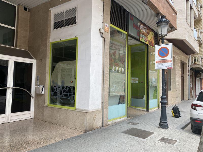 Local en venta en Esquibien, Albacete, Albacete, Calle Octavio Cuartero, 166.000 €, 186 m2
