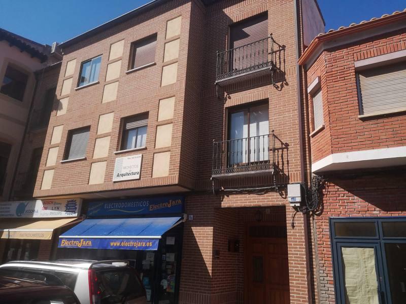 Piso en venta en Belvís de la Jara, Belvís de la Jara, Toledo, Calle Real, 47.000 €, 3 habitaciones, 2 baños, 111 m2