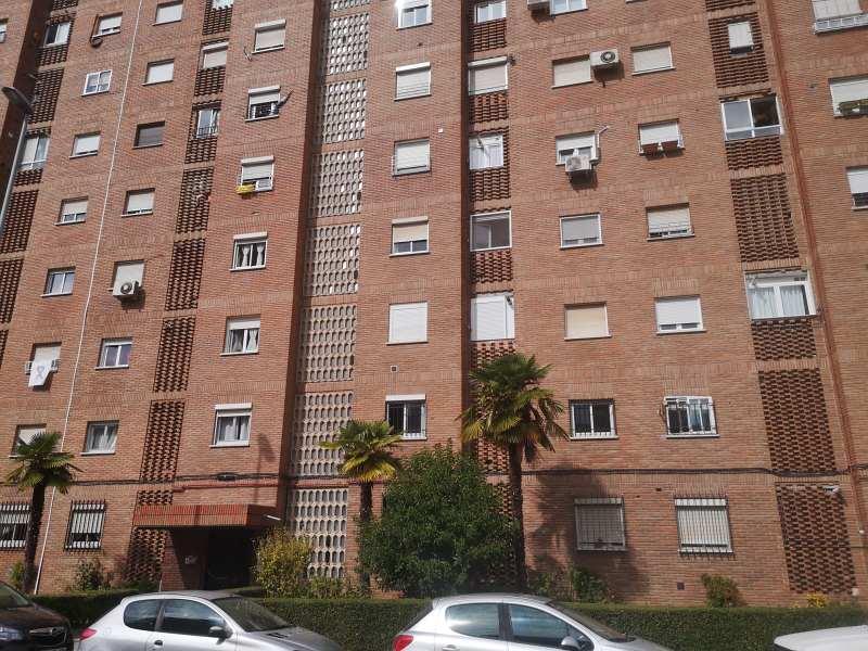 Piso en venta en Barrio de Santa Maria, Talavera de la Reina, Toledo, Calle Mariano Ortega, 71.000 €, 3 habitaciones, 1 baño, 93 m2